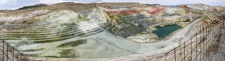 NAICS Code 212325 - Clay and Ceramic and Refractory Minerals Mining