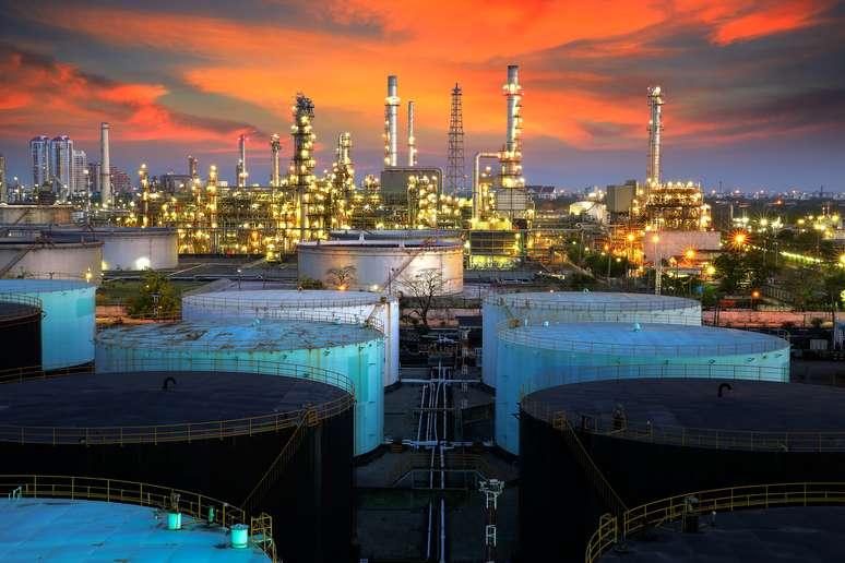 NAICS Code 324110 - Petroleum Refineries