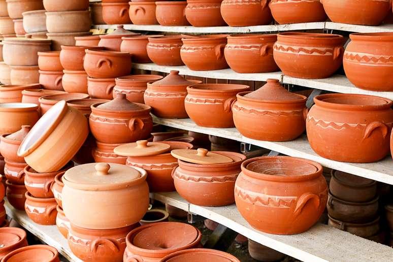 NAICS Code 327110 - Pottery, Ceramics, and Plumbing Fixture Manufacturing
