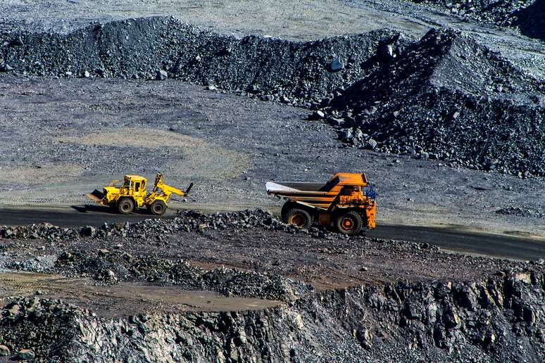 SIC Code 10 - Metal Mining Example