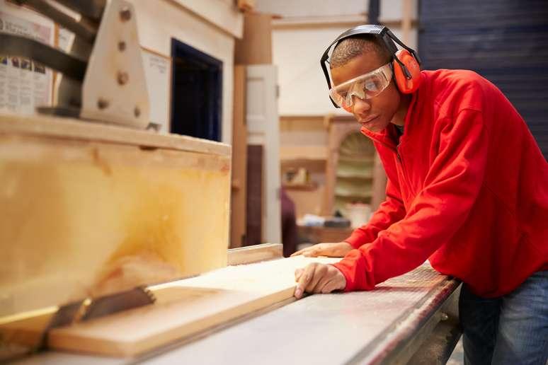 SIC Code 175 - Carpentry and Floor Work