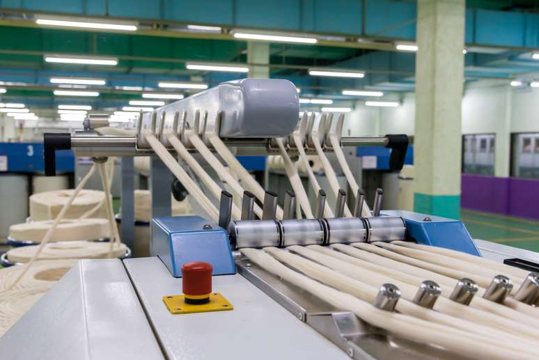 SIC Code 2221 - Broadwoven Fabric Mills, Manmade Fiber and Silk