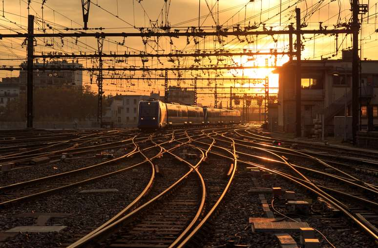 SIC Code 4013 - Railroad Switching and Terminal Establishments