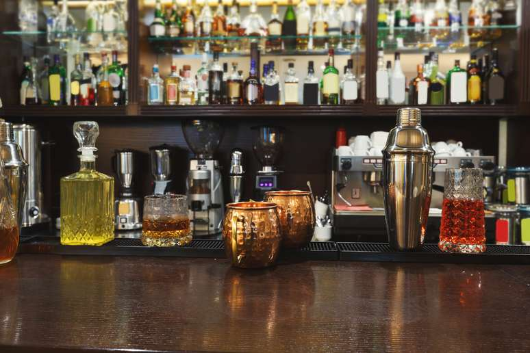 SIC Code 5813 - Drinking Places (Alcoholic Beverages)